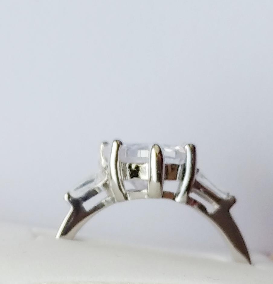 Δαχτυλίδι καρδιά από ασήμι 925 με ζιργκόν - Martal.gr bfbf7ddc28c